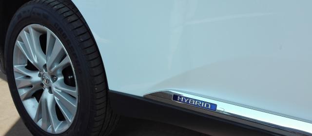 Diferències entre un cotxe híbrid i un cotxe convencional